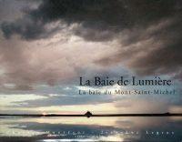 ciel nuageux sur la baie du mont saint-michel
